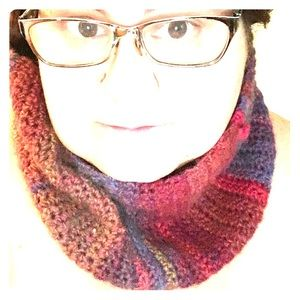Home crocheted cowl for the chilly fall nights